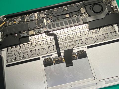 mac book air バッテリー交換 電池交換 マック 修理 zoom 交換 山梨 甲府昭和
